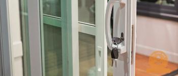 Sửa khóa cửa kính tại Long Khánh
